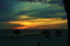 在美丽如画的日落附近的巴拿马市海滩墨西哥湾 库存照片