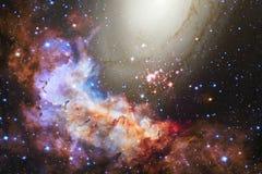 在美丽的不尽的宇宙的星云 令人敬畏为墙纸和印刷品 免版税库存照片