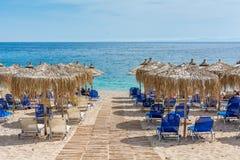 在美丽的兆弹药的弛豫时间靠岸, Syvota,希腊 免版税库存照片