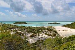 在美丽的海岛巴哈马上的概要 美好的背景 库存图片