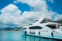 在美丽的豪华游艇 免版税库存照片