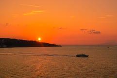 在美丽的索伦托,意大利的惊人的日落 库存图片