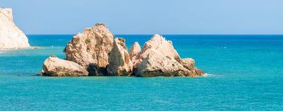 在美之女神的岩石附近的海景 塞浦路斯 库存图片