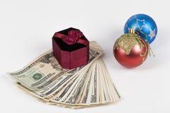 在美元的礼物盒 免版税库存图片