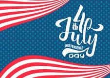 在美国上写字的7月4日美国独立日手 手拉的书法类型字法构成第4 7月设计 ? 皇族释放例证