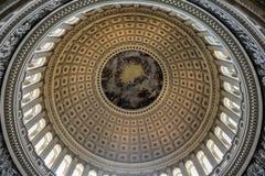 在美国国会大厦,华盛顿特区里面的圆顶 库存图片