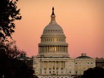 在美国国会的日落在华盛顿D C 免版税库存图片