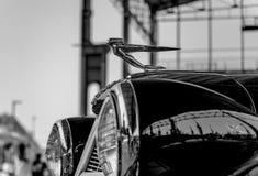 在美国汽车陈列的葡萄酒卡迪拉克在多拉Publ 免版税库存图片