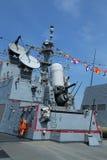 在美国海军引导导弹驱逐舰USS Farragut甲板的密集队枪  免版税库存图片