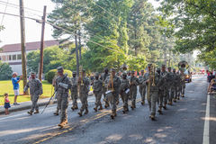 在美国独立纪念日游行的军队带 免版税图库摄影