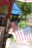 在美国独立纪念日的美国旗子 库存图片