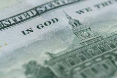 100在美国货币关闭的美金 库存照片