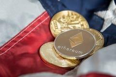 在美国Ame的金黄数字式Cryptocurrency Ethereum硬币 免版税库存照片
