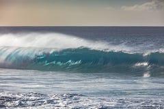 在美好的光的大海浪 库存照片