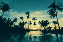 在美好的微明的热带海海滩 自然 图库摄影