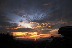 在美好的日出的石外形剪影在巴西 免版税图库摄影