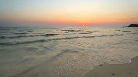 在美好的日落的热带海滩 影视素材