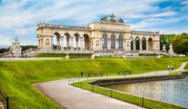 在美泉宫和庭院,维也纳,奥地利的Gloriette 库存图片