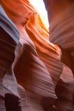 在羚羊槽孔峡谷的五颜六色的砂岩在亚利桑那 库存照片