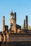 在老佛教寺庙废墟的菩萨雕象 免版税库存照片