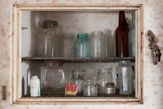 在老冰箱里面 免版税库存照片