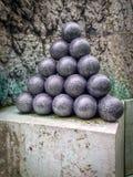 在老哥本哈根堡垒的老炮弹 免版税库存图片