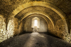 在老城堡里面的室 库存照片