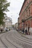 在老城市的狭窄的街道 免版税库存图片