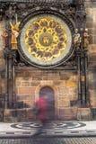 在老城镇厅的天文学时钟在布拉格,捷克语 图库摄影