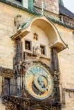 在老城镇厅的天文学时钟在布拉格 图库摄影
