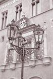 在老城镇厅,布拉格之外的路灯柱 免版税图库摄影