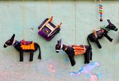 在老墙壁上的驴 库存图片
