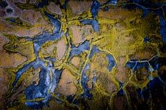 在老墙壁上绘的损坏的颜色 免版税库存图片
