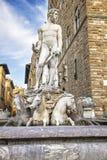 在老宫殿(Palazzo Vecchio)附近的海王星雕象正方形的o 免版税库存图片