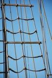 在老帆船的索具绳索 免版税库存照片