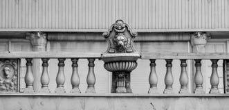 在老拿骚银行大楼的细节 库存照片
