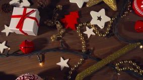 在老木地板上的圣诞节装饰 影视素材