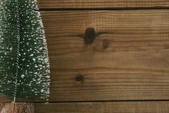 在老木头的圣诞节 免版税库存图片