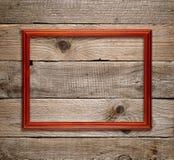 在老木头的木制框架 免版税库存照片