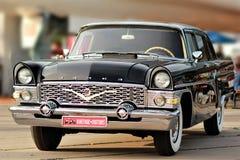 在老汽车土地节日的葡萄酒苏联汽车柴卡 免版税图库摄影