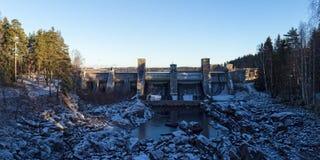 在老河床的水坝 库存图片