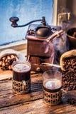 在老牌的新近地煮的咖啡 免版税库存图片