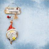 在老纹理的背景的圣诞节中看不中用的物品 免版税库存图片