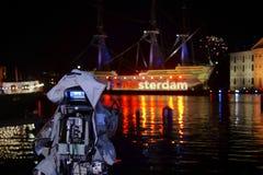 在老船阿姆斯特丹的照相机射击 库存照片
