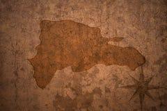 在老葡萄酒纸背景的多米尼加共和国地图 库存例证