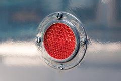 在老蓝色电车的红灯 库存图片