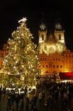 在老镇中心的圣诞节市场在布拉格,捷克 免版税库存照片