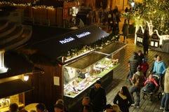 在老镇中心的圣诞节市场在布拉格,捷克 库存照片