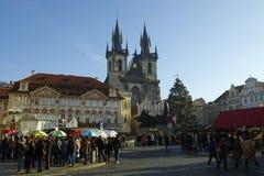 在老镇中心的圣诞节市场在布拉格,捷克 免版税图库摄影