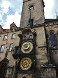 在老镇中心的天文学时钟 免版税库存照片